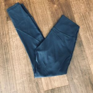 LULULEMON In Movement 7/8 Mineral Blue Size 4